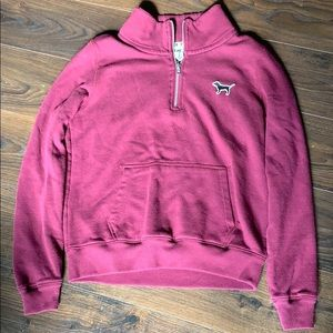 Maroon 3/4 zip up swtshirt